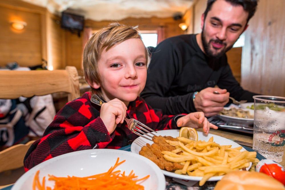rifugi e ristoranti sulle piste ideali per famiglie a livigno