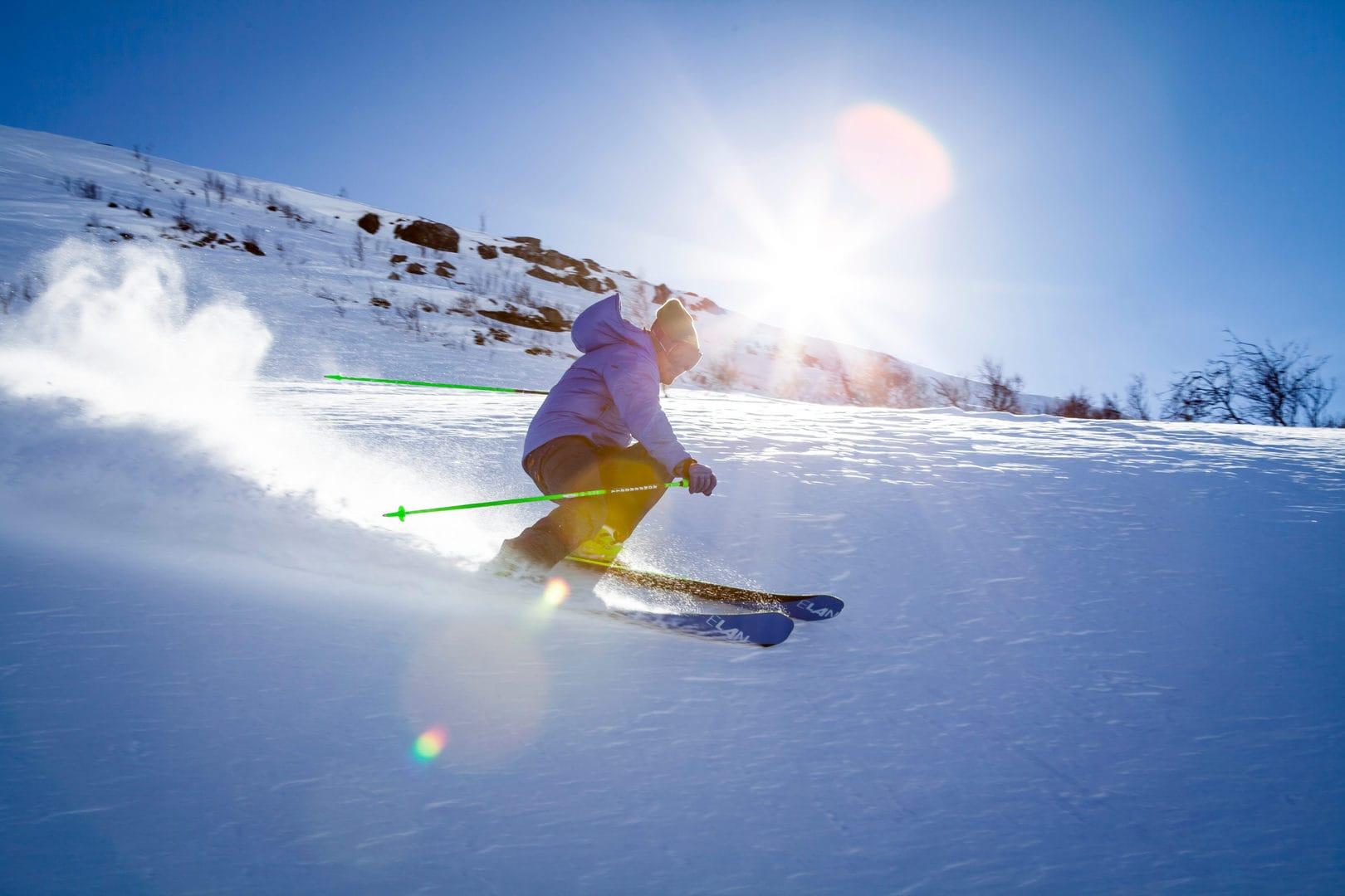 sciatore sulle piste livignasche