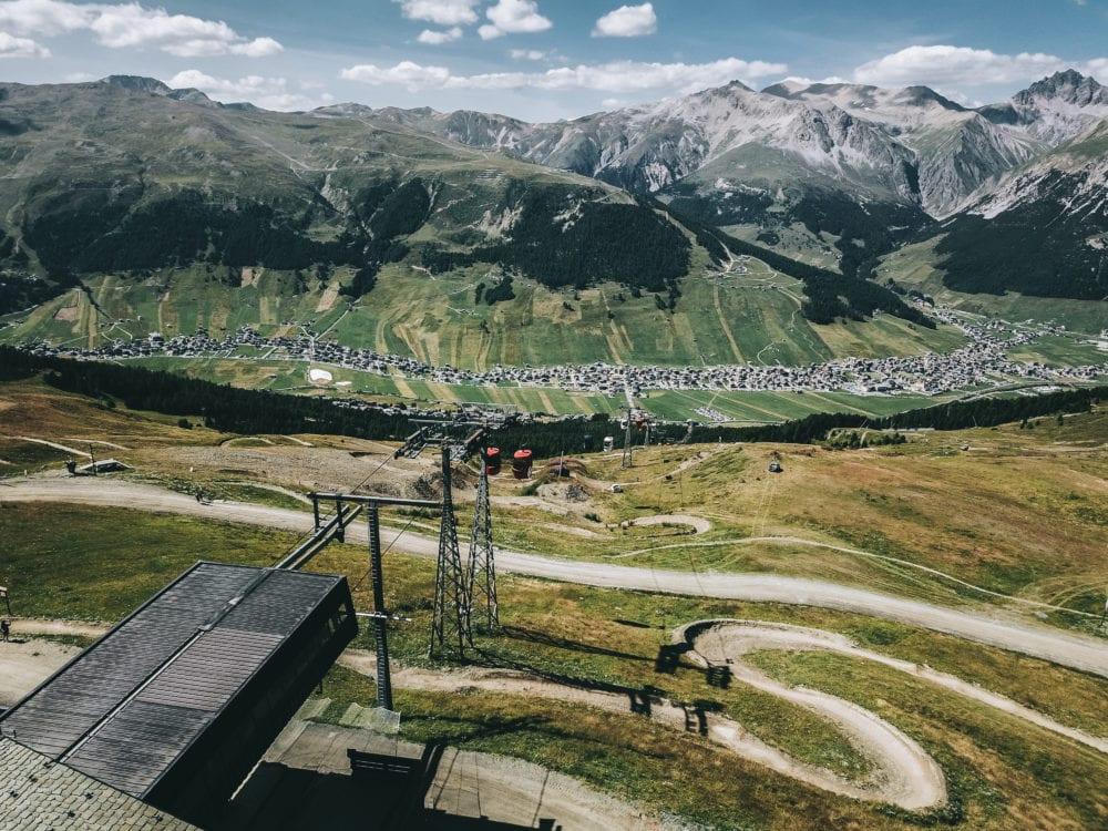 vista da alta quota del bike park Mottolino