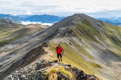 trekking sulle creste delle montagne a Livigno