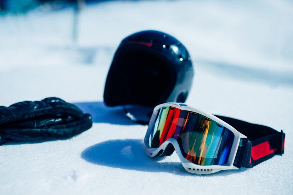 accessori per lo sci in montagna