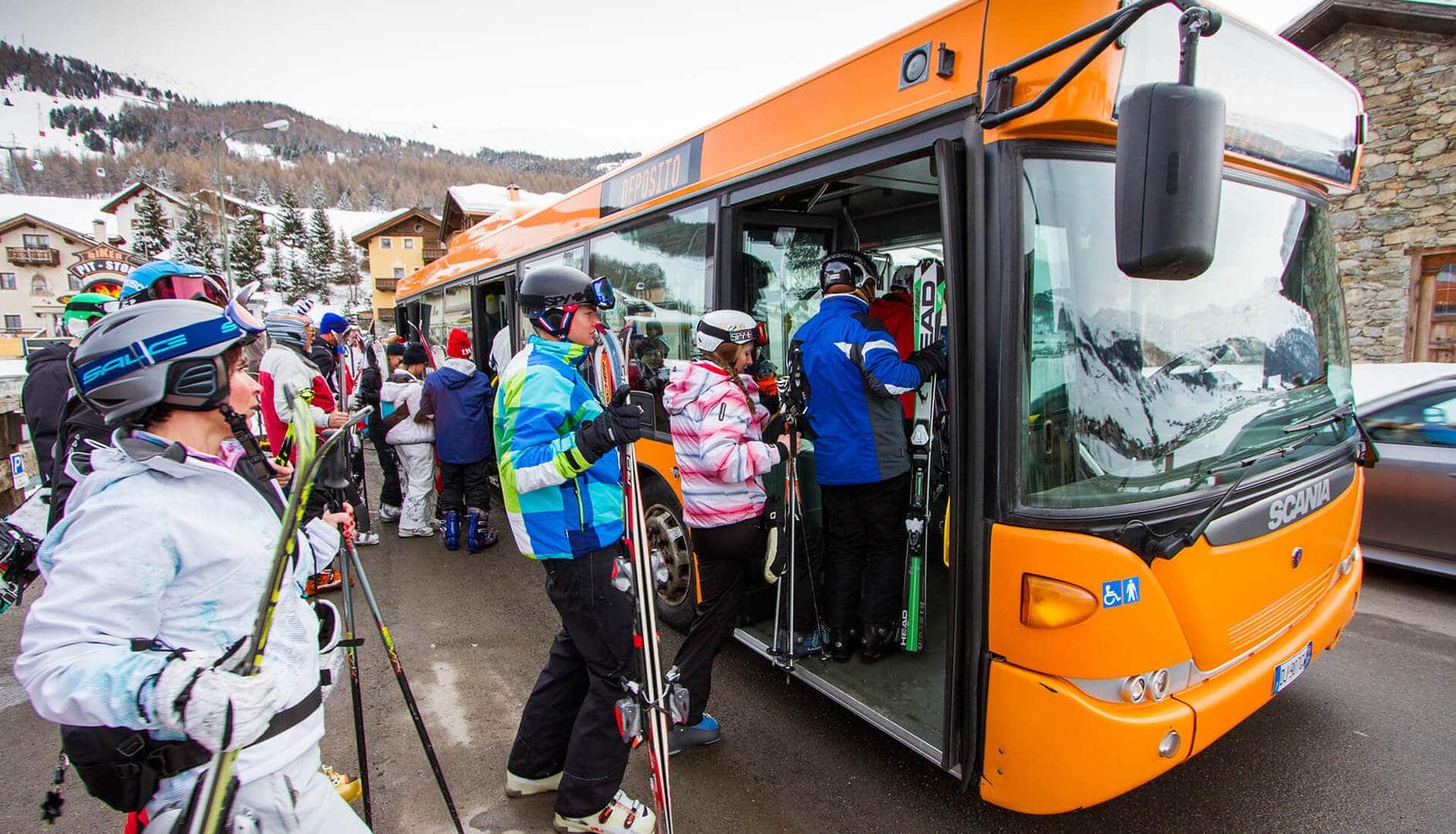 Freebus per sciatori a Livigno durante la stagione invernale