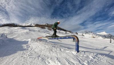 Ostacoli e trick presso lo snowpark Twenty di Livigno