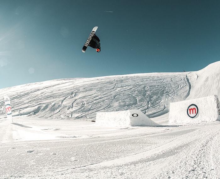 Adrenalina ed evoluzioni allo snowpark Mottolino di Livigno