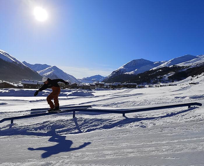 Snowpark Twenty a Livigno, evoluzioni sulla neve
